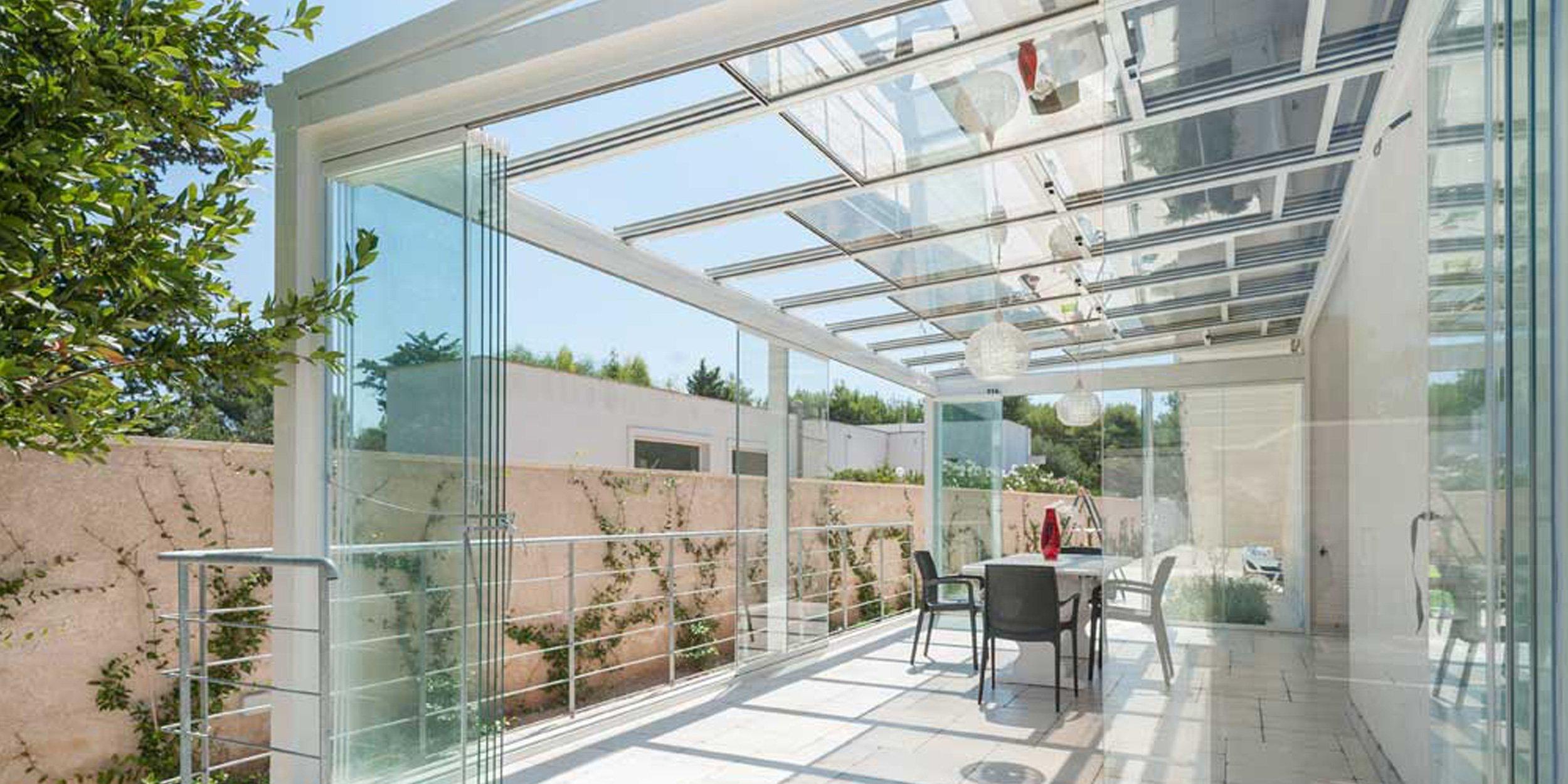 Veranda In Alluminio Con Tetto Apribile Copertura In Vetro