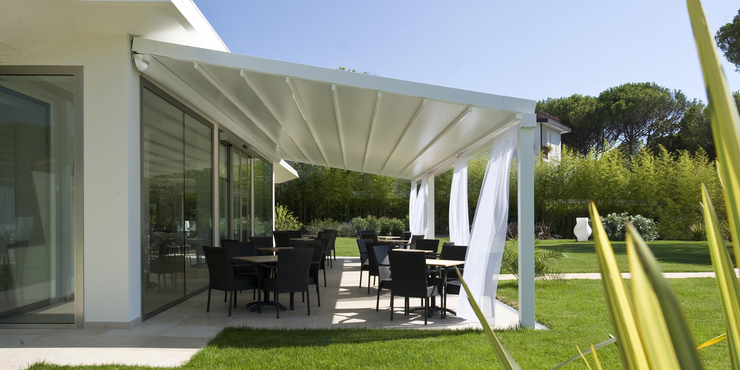 pergola level pergola apribile in alluminio ed acciao. Black Bedroom Furniture Sets. Home Design Ideas