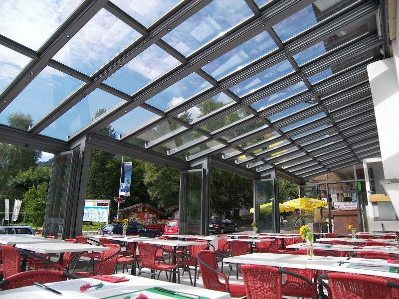 Copertura vetrata mobile sunroof la copertura che si - Coperture per giardini ...