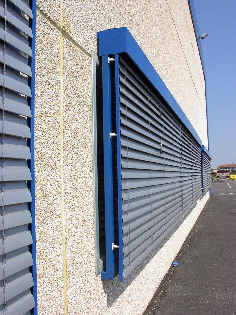 90 std frangisole mpacchettabile lame sezione 90 mm oscuramento 90 grandi superfici - Frangisole esterni per finestre ...