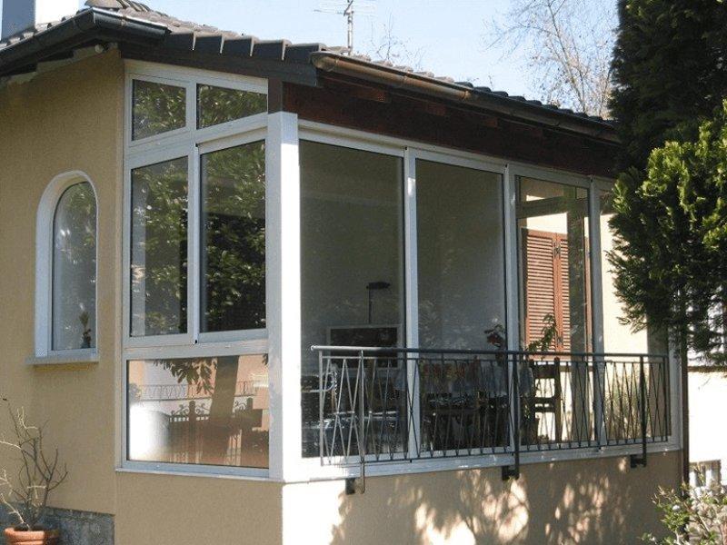 Vetrata scorrevoli per verande pergolati dehor portici - Verande mobili per balconi ...